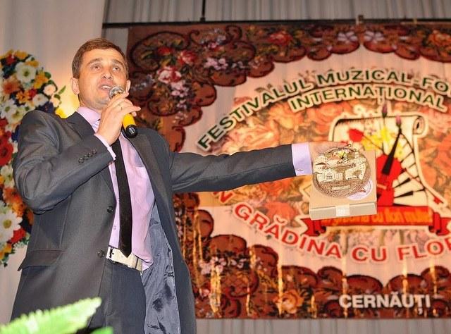 Iurie Levcic - inima festivalurilor de folclor românesc din regiunea Cernăuți