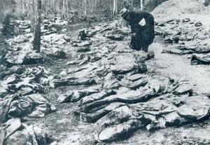 Rămășițele soldaților polonezi masacarați de sovietici la Katyn