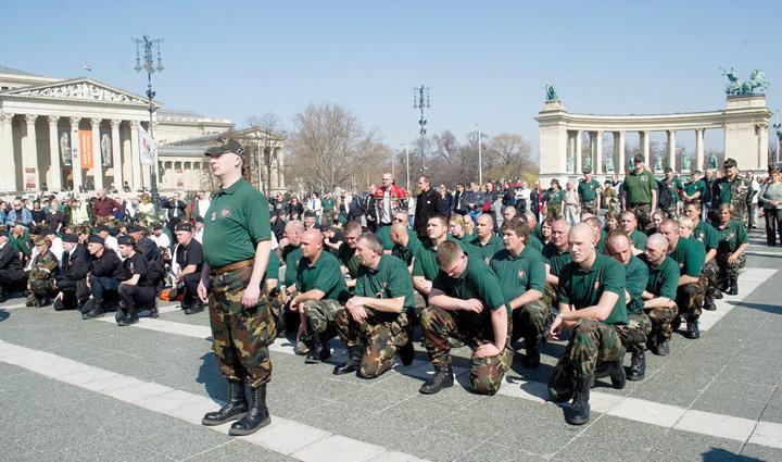 job Demonstratie de forta in fata Budapestei: Rezervistii din toate armele, mobilizare fara precedent !
