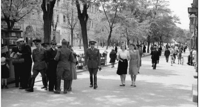 """Socialistul menșevic Evgheni Tverskoi a locuit în Odesa în anii 1941-1944. În jurnalele sale el descrie perioada administrației românești ca fiind una de """"îndestulare și înflorire a culturii""""."""