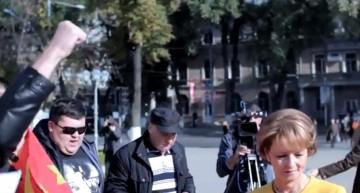 """PRICIPESA MARGARETA ȘI PRINCIPELE RADU – VIZITA ISTORICĂ ÎN R. MOLDOVA UMBRITĂ DE MÂRȘĂVIA COMUNISTĂ """"Moldovenească"""" ȘI TOTALA LIPSĂ DE REACȚIE A POLIȚIEI Republicii Moldova"""