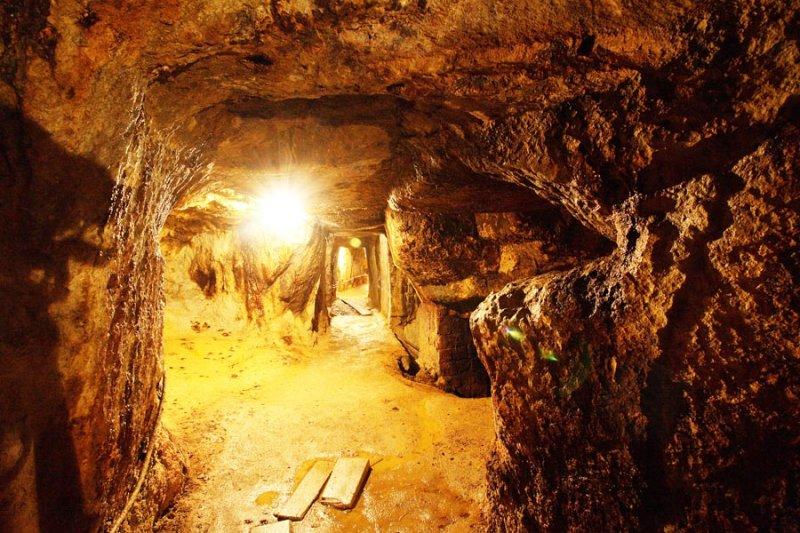 Minele Romane din Rosia Montana sursa: luptapentrurosiamontana.wordpress.com