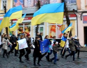 in Cernauti tinerii ucrainieni sunt pro Europa