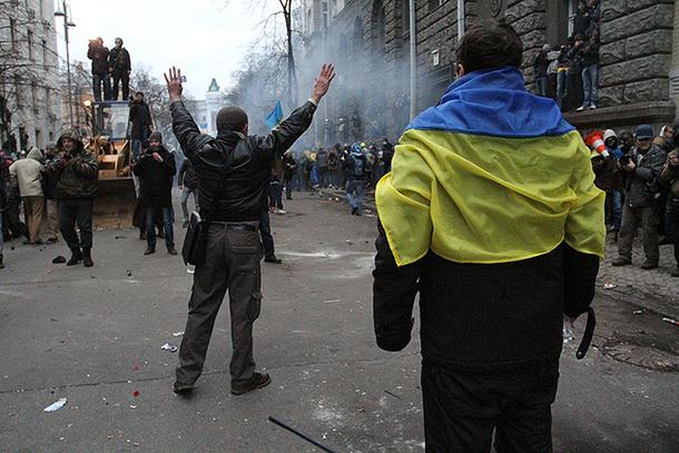 Ucraina anunță oficial că va opri toate transporturile de bunuri dinspre şi către teritoriul controlat de separatiştii proruşi în estul ţării
