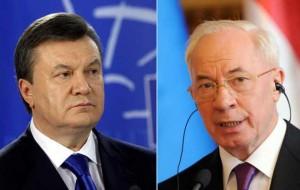 Președintele Ucrainei Viktor Ianukovici (stânga) a aprobat ieri demisia guvernului condus de premierul Mikola Azarov, în contextul protestelor prooccidentale. Sursa: zf.ro