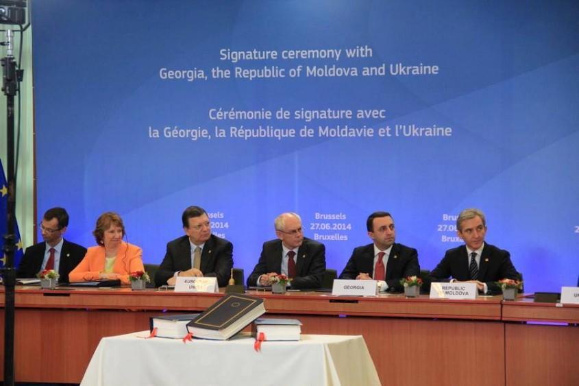 semnarea-acordului-de-asociere-la-ue-moldova-ucraina-georgia (2)
