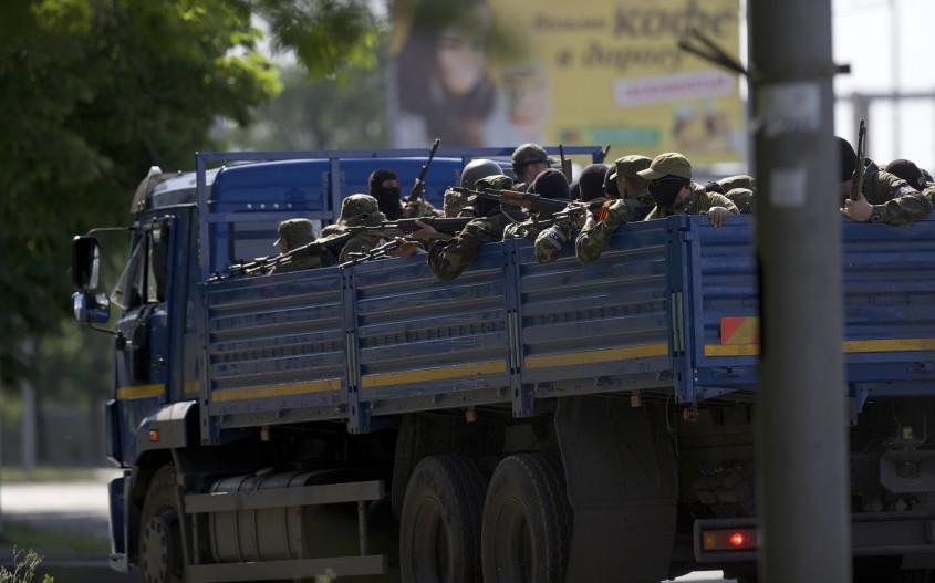 separatisti-prorusi-in-camion-Donetk