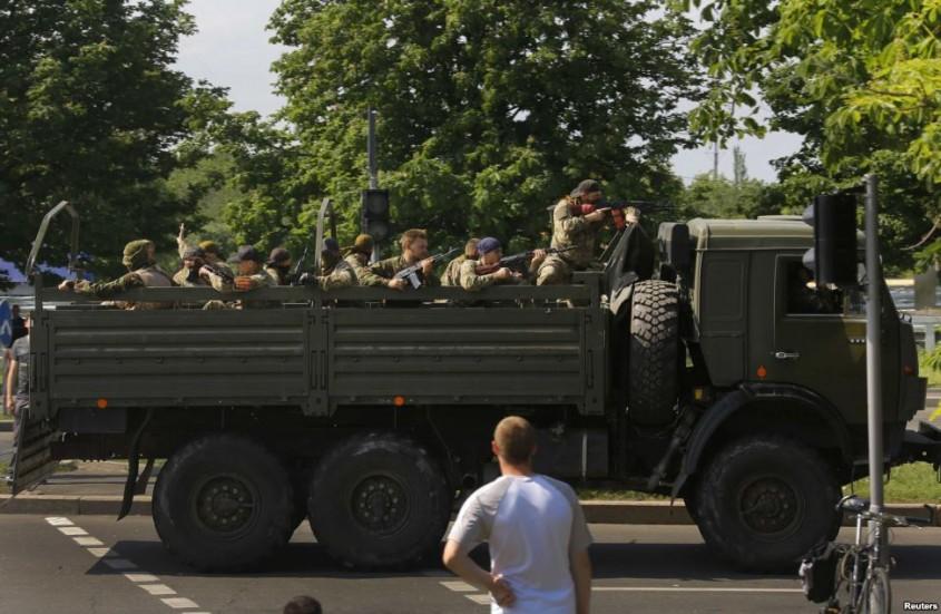 separatisti-prorusi-in-camion-Donetk2