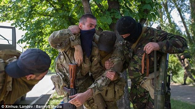separatisti-prorusi-in-camion-Donetk4