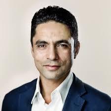 Manu Sareen (născut 16 mai 1967 în India), este Ministrul pentru Egalitate și Culte și al Cooperării Statelor Nordice în Cabinetul Helle Thorning-Schmidt, membru al Consiliului orașului Copenhaga, ales de Partidul Social Liberal Danez .