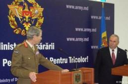 "R. Moldova un orizont iluzoriu pentru omuleți verzi. Generalul Adrian Bradshaw:""NATO sustine suveranitatea, independenta si integritatea teritoriala a Republicii Moldova"""