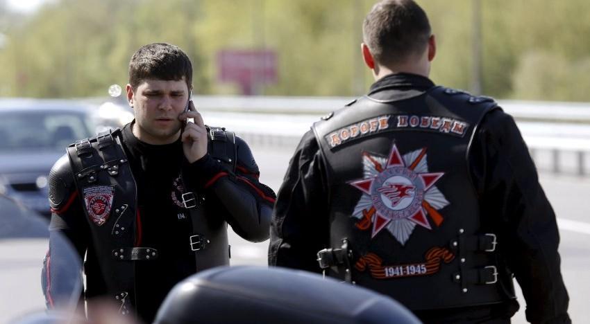 """Foto-Video/Polonia a oprit marșul spre Berlin al """"Armatei Sovietice"""" de motocicliști """"Lupii Nopții"""""""