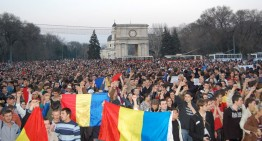 Transmisie live! Marș unionist de amploare la Chișinău. Evenimentul marchează 98 de ani de la Unirea Basarabiei cu România.