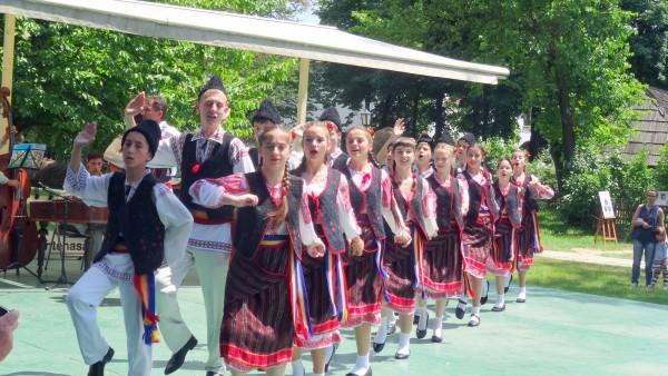 """Ansamblul Folcloric """"DOR BASARABEAN"""" din Ismail la Muzeul Național al Satului ,,Dimitrie Gusti"""""""