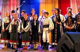 Un apel disperat al românilor din regiunea Cernăuți! Unica instituție din Ucraina în care se studiază Cultura și Tradiția Românească are nevoie de ajutor!