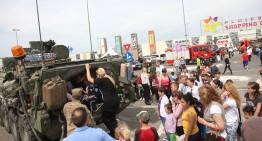 Foto / Români de toate vârstele au luat cu asalt Marșul Cavaleriei