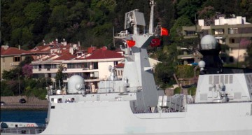 Aglomerație explozivă în Marea Neagră. Lista navelor de răboi care execută misiuni în Marea Neagră  …și o bilă neagră pentru industria militară rusă