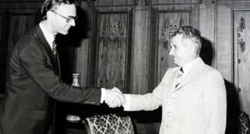 FMI, Grecia și România. Ministrul de Finante care a semnat primul acord cu FMI povesteste ziua in care Ceausescu a ajuns in incapacitate de plata.