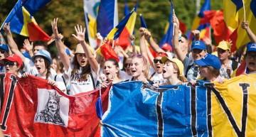Foto/Video – Marșul lui Ștefan cel Mare, pornit din Chișinău, a ajuns la București: Suntem aici, ca săcerem Unirea!