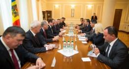 Convorbiri la Chișinău între președintele Timofti și premierul român, Victor Ponta