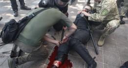 Foto/Video – Maidan versiunea 2.0 ? La Kiev, 100 de răniți și un mort în urma unor noi demonstrații și ciocniri între forțele de ordine și membrii ai uni partid naționalist