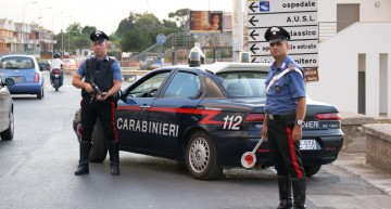 Românii din Italia, țintă pentru intimidări și amenințări? MAE Român reacționează față de incendierea autoturismelor unor români.