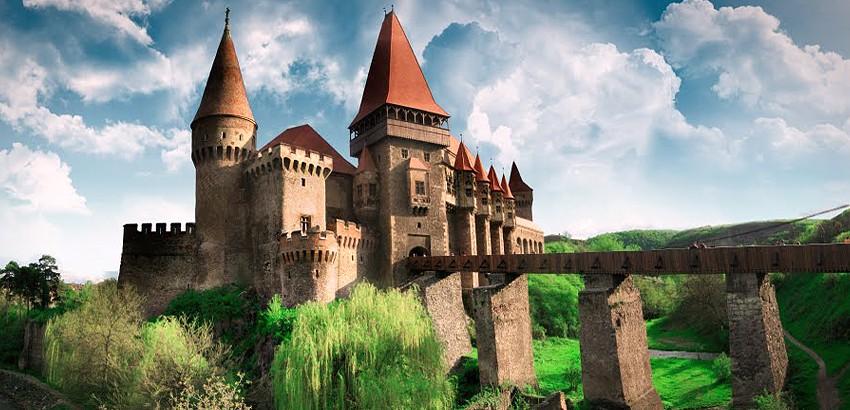 Referințe și documente. Cum și de ce au ajuns nobilii români din Transilvania, de la egalitate cu cei unguri, la despuierea de averi și drepturi