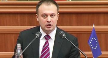 Președintele Parlamentului RM condamnă declarațiile ostile ale lui Dodon la adresa NATO și UE