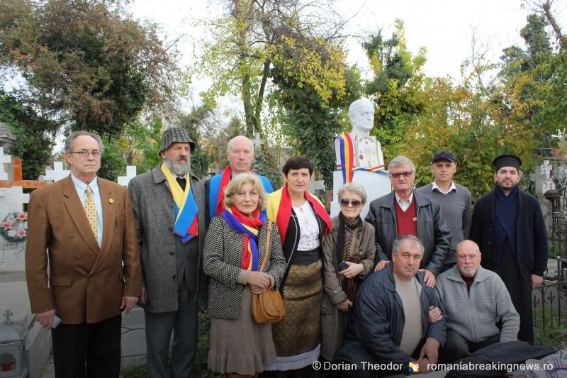 Omagierea_a_170_de_ani_de_la_nasterea_lui_Vasile_Stroescu_Cimitirul_Sf_Vineri_Bucuresti_2015 (8)