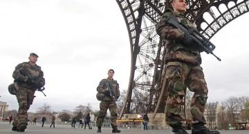 Foto-Video / Așa arată Parisul acum! Armata Franceză veghează la tot pasul…