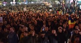 """Infiltrații la protestele de la Universitate (2) …manifestanții plătiți! dezvăluiri """"Peluza SUD Steaua"""" via ProSport"""
