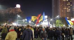 """Video / Proteste în toata țara! 35.000 de oameni în București: """"Nu vrem să fim o nație de hoți!"""""""