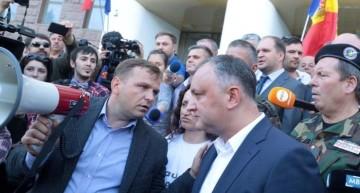 Liderii protestelor din centrul Chișinăului s-au făcut de râs într-o emisiune în direct la TV Moldova 1