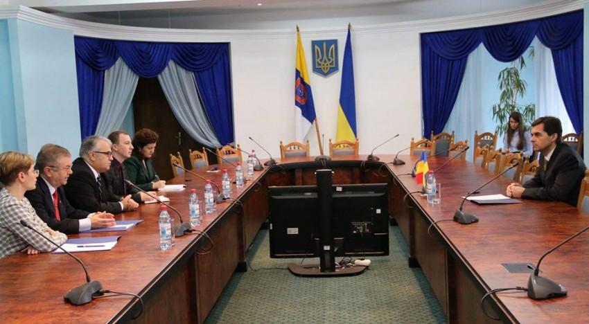 """Dreptul Limbii Române vs """"limba moldovenească"""" pe agenda discuțiilor dintre senatorul Viorel Badea și prim-viceguvernatorul regiunii Odesa"""