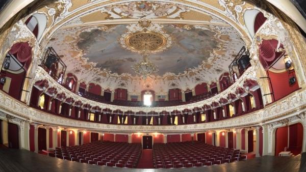 Teatrul_National_din_Iasi_BBC_romaniabreakingnews_ro (2)