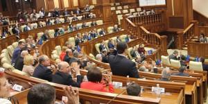 """Modificarea Constituţiei în Republica Moldova: Sintagma """"limba moldovenească"""" ar putea fi înlocuită cu """"limba română"""""""
