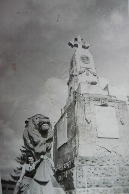 Monumentul Victoriei și leul austro- ungarilor, 27 mai 1946