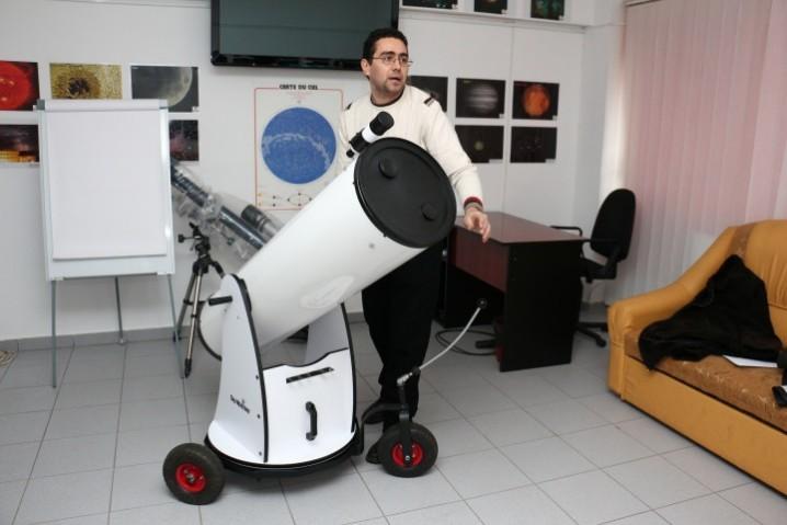 Dumitru_Ciprian_Vintdevara_la_Observatorul-Astronomic_din_Barlad