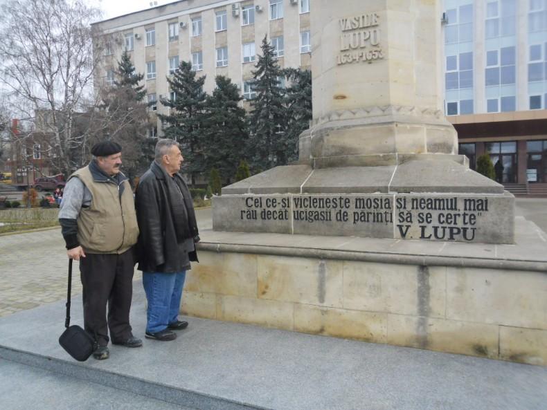 Iacob cazacu-Istrati si Niculae Popa la Orhei