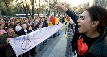 Formator de opinie în RM! Natalia Morari și Renato Usatîi au chefuit până după miezul nopții într-un karaoke din Chișinău