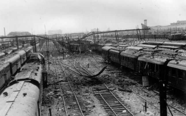 Video: Atacul anglo-american asupra Bucureștiului (4 aprilie 1944)
