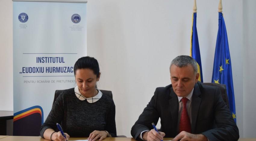 """Clubului Maramureșenilor din dreapta Tisei și Institutul """"Eudoxiu Hurmuzachi"""", împreună pentru promovarea, păstrarea limbii și identității românești"""