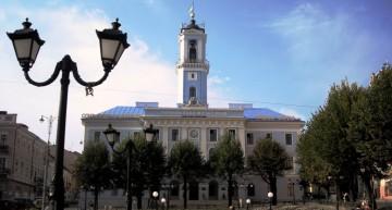 """Autoritățile din Cernăuți au interzis utilizarea cuvântului """"Rusia"""" pe panourile din oraș"""