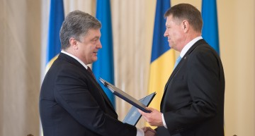 """Klaus Iohannis – """"Am discutat cu președintele Poroșenko cu privire la nevoia de a răspunde mai bine necesităților și doleanțelor românilor din Ucraina"""""""