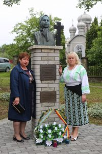 Comemorarea_martirilor_romani_morti_in_gulagurile_sovietice_Comuna_Mahala_reg_Cernauti (17)