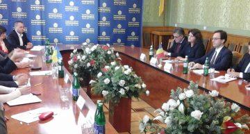 """Secretarul de Stat, Petre Guran """"îi trage de mânecă"""" pe oficialii ucraineni în problema școlilor românești din Cernăuți"""