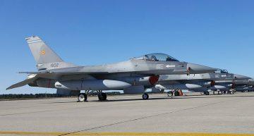 Ziua Aviației Române şi a Forțelor Aeriene în direct de la Monumentul Eroilor Aerului din București