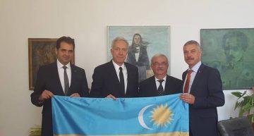 """Scandalul """"steagului secuiesc""""! O lecție de demnitate și istorie """"pre limba"""" ambasadorului SUA la București"""