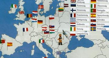 REVOLTĂTOR!!! MANUALE ȘCOLARE ÎN CARE DRAPELUL ROMÂNIEI ESTE STEAGUL SECUILOR ȘI ÎN STÂNGA PRUTULUI TRĂIESC DOAR RUȘI!