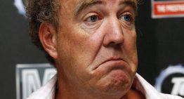 Jeremy Clarkson (Top Gear) recidivează din nou cu atitudinea rasistă și umilitoare la adresa românilor din UK. Român pe post de sclav în emisiune! A urmat reacția ambasadorului României.